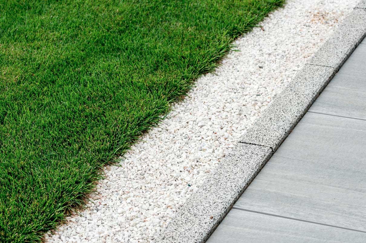 Garden edging grass pavers
